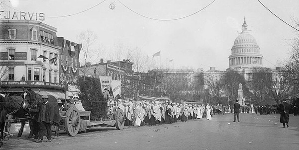 Suffrage Parade, 1913.jpg