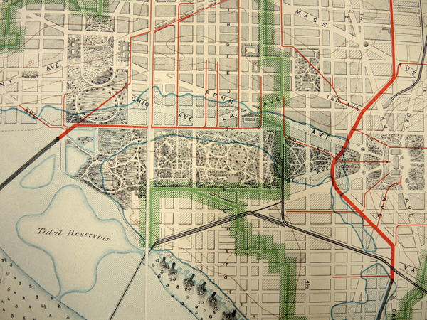 Map of the city of Washington showing present main sewerage and sewage outfalls : also the territory flooded in June 1889 (detail)