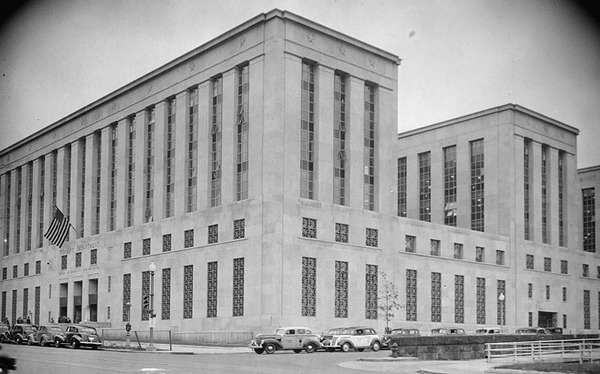 Beauro of Engraving and Printing Annex Building LOC 1938.jpg