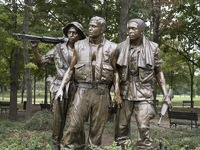 Vietnam Veterans Memorial, Three Soldiers